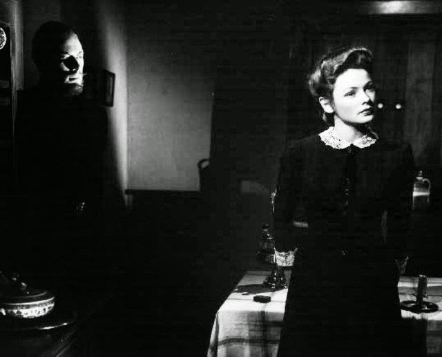 laventure-madame-muir-the-ghost-and-mrs-muir--L-aGMqUt